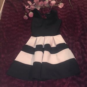 Women's black and white dress #A80